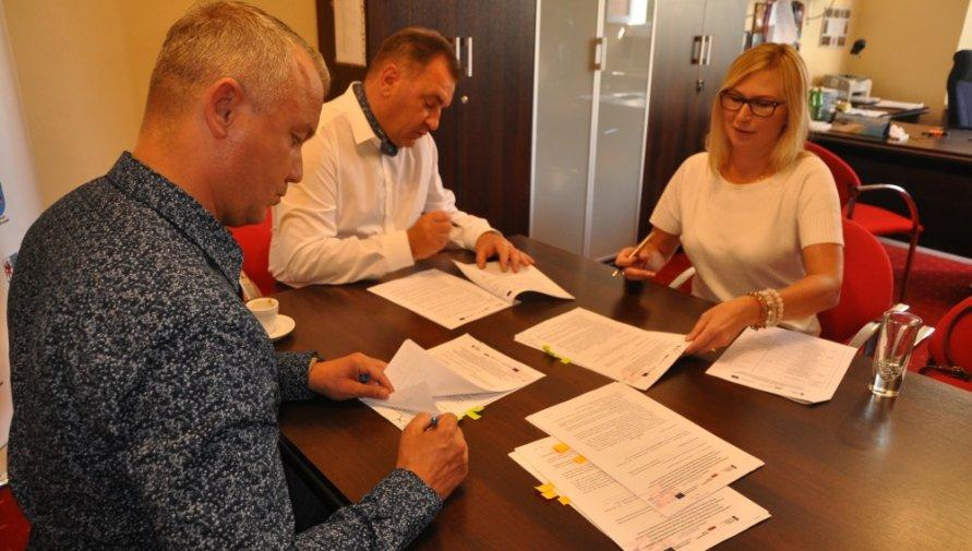 """Podpisanie umowy w ramach projektu """"Razem dla DPS"""""""