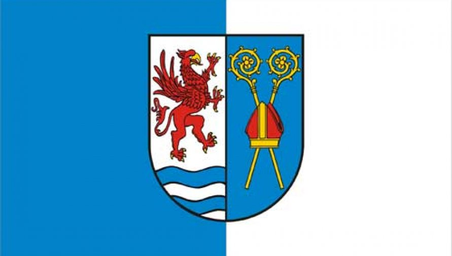 flaga Powiatu Kołobrzeskiego - Kliknięcie w obrazek spowoduje wyświetlenie jego powiększenia