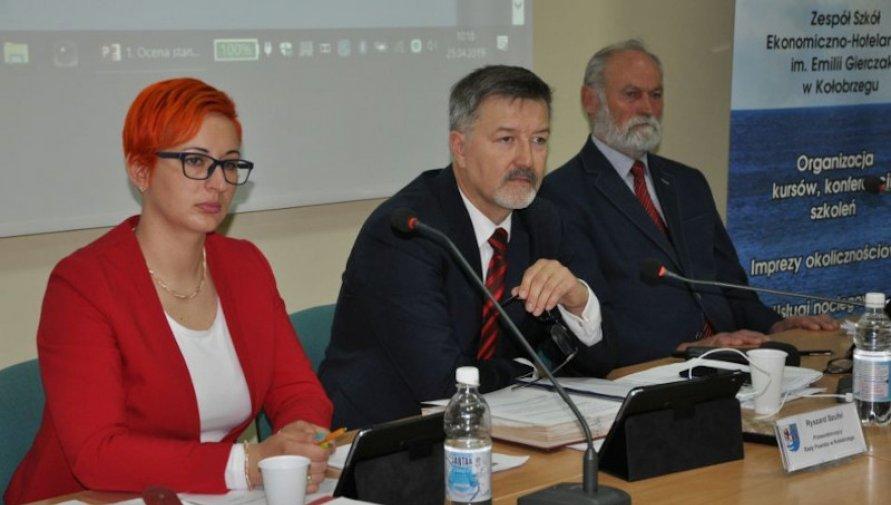 zdjęcie z archiwum Rady Powiatu w Kołobrzegu - Kliknięcie w obrazek spowoduje wyświetlenie jego powiększenia